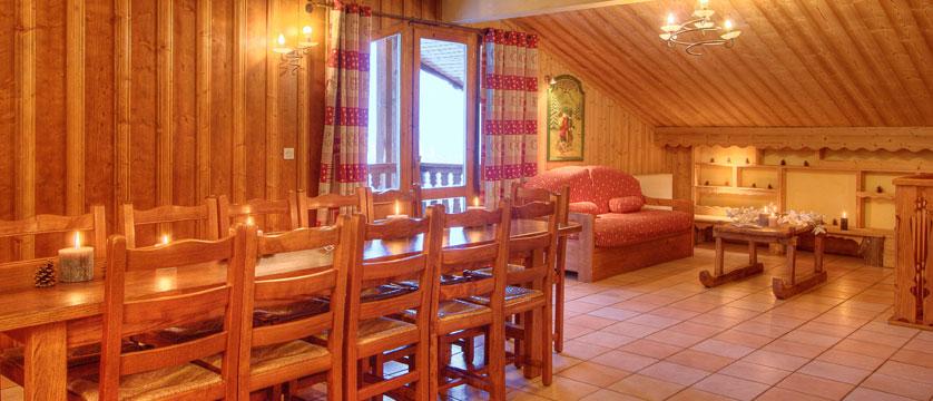 France_La-Plagne_Balcons-de-Belle-Plagne-Apartments_Living-dining-area.jpg